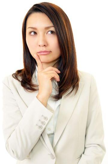 消費税に悩む女性